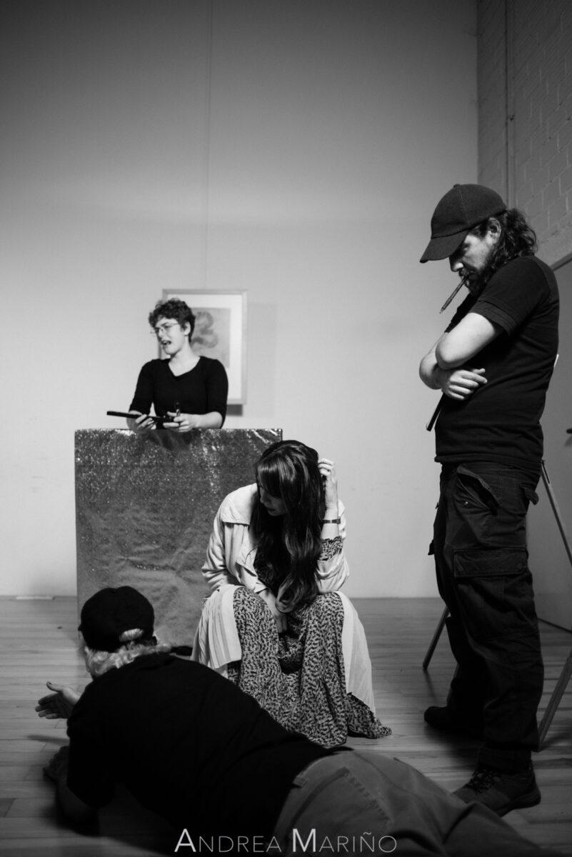 Planificación de la grabación de un plano con director y actriz