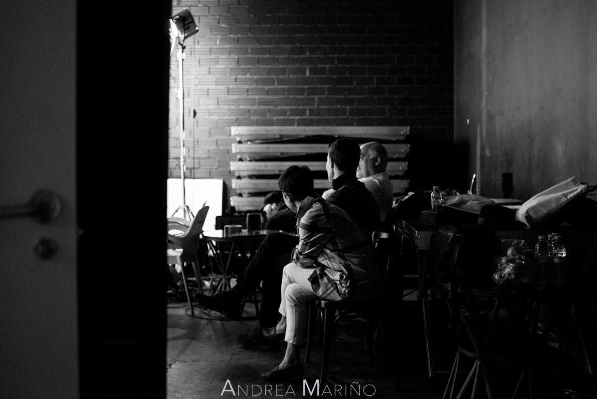 Actores del cortometraje en un momento de espera