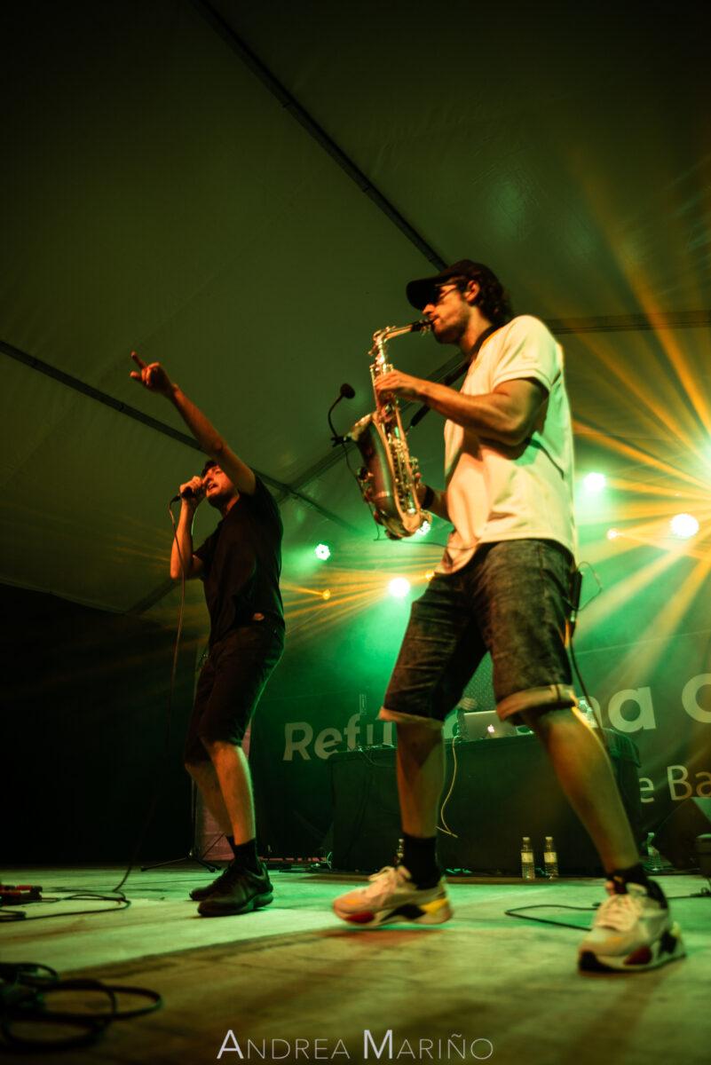 Cantante y saxofonista del grupo bailando