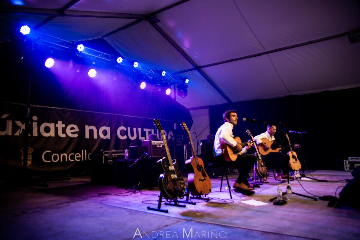 Tonichi & Pacheco rodeados de guitarras